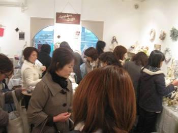 12月の個展では沢山のお客様に来場していただきました.jpg