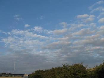 おはよう!秋の空.jpg