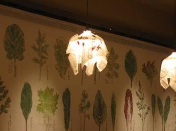 この壁の葉っぱの絵 好きです♪.jpg