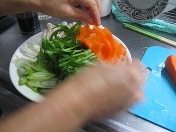 これは夕ご飯のシャブシャブに使う野菜.jpg