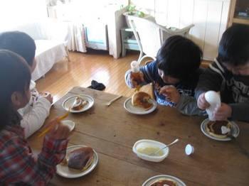 で 食後のデザートタイム.jpg