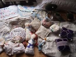 アンティークを取り入れた布小物で生活に潤いを.jpg