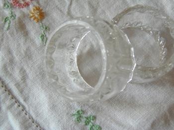 ガラスのナプキンリング カットが好きです.jpg