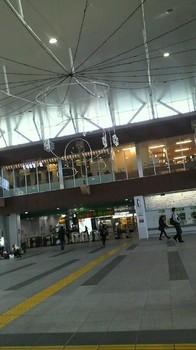 上尾駅がクリスマス仕様に.jpg