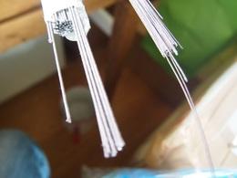 引っかけ用と星用の針金を一本ずつ入れる.jpg