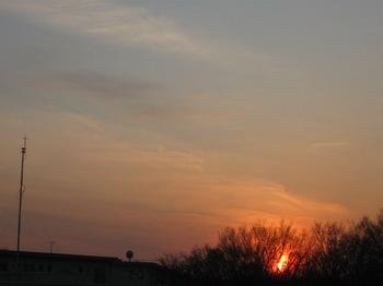 昨日の夕日は熱く燃えているようだった.jpg
