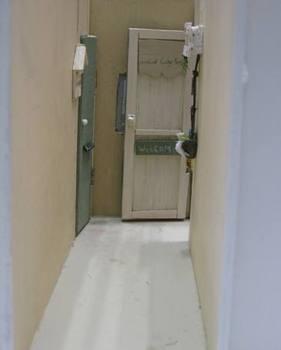 本物にそっくりなドア.jpg