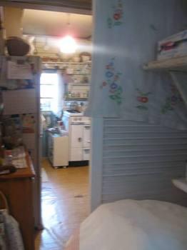洗面所からキッチンを.jpg