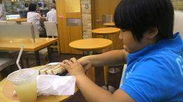 神戸屋のカツサンドでランチ.jpg