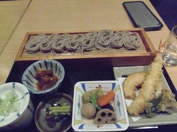 私とあけみさんは天ぷらと蕎麦♪.jpg