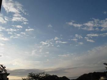 9月25日朝6時20分の空.jpg