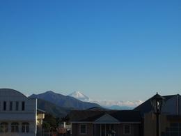 おっ 清里駅前で富士山お迎え.jpg