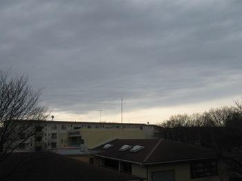 ようやく空が明るくなってきた.jpg