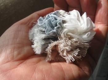 布で花束を作って着けます♪.jpg