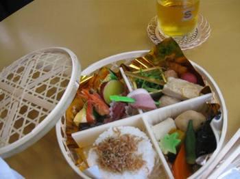 美濃吉のお弁当を用意していただいて 美味しかったです~.jpg
