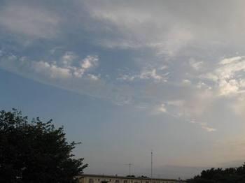 22日夕16時過ぎの空.jpg